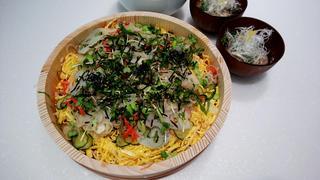 華やかにおもてなし!野菜たっぷりちらし寿司