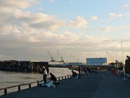 開かれた漁港、親水広場ふぃしゅーな