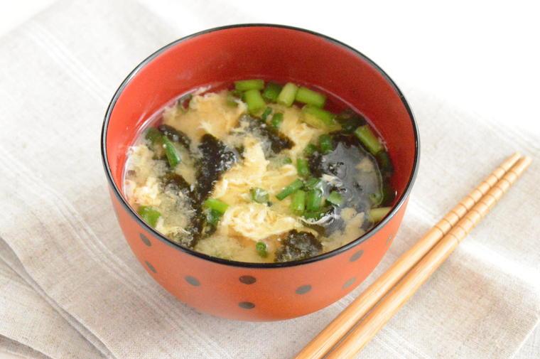 卵と海苔の味噌汁2.JPG