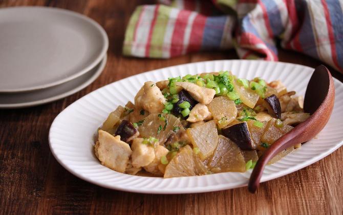 平野さん家の 鶏むね肉と大根の炒め煮