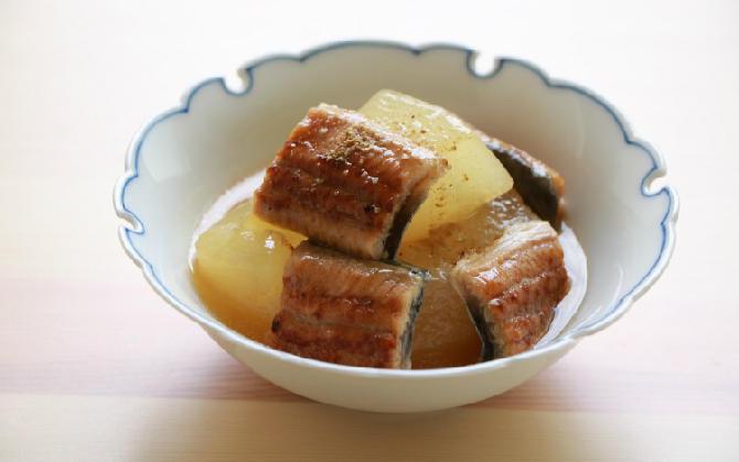 神田さん家の 冬瓜と鰻の煮物