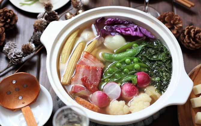 野島さん家の 彩り野菜のキラキラジュレ鍋
