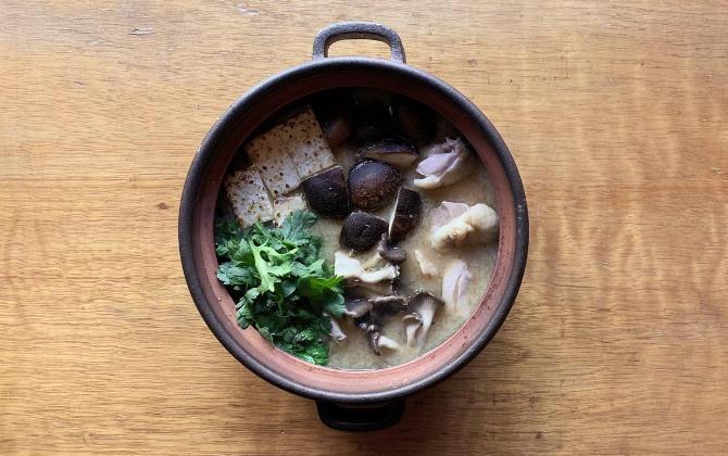 ICHIKAWA'S RECIPE 鶏肉ときのこのうま味だし酒粕鍋